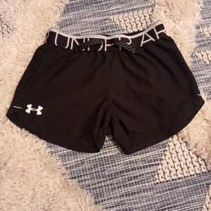 4/$20🎀 Under Armour shorts size youth small